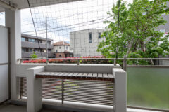バルコニー(緑のカーテンネット・スロップシンク・花台付)
